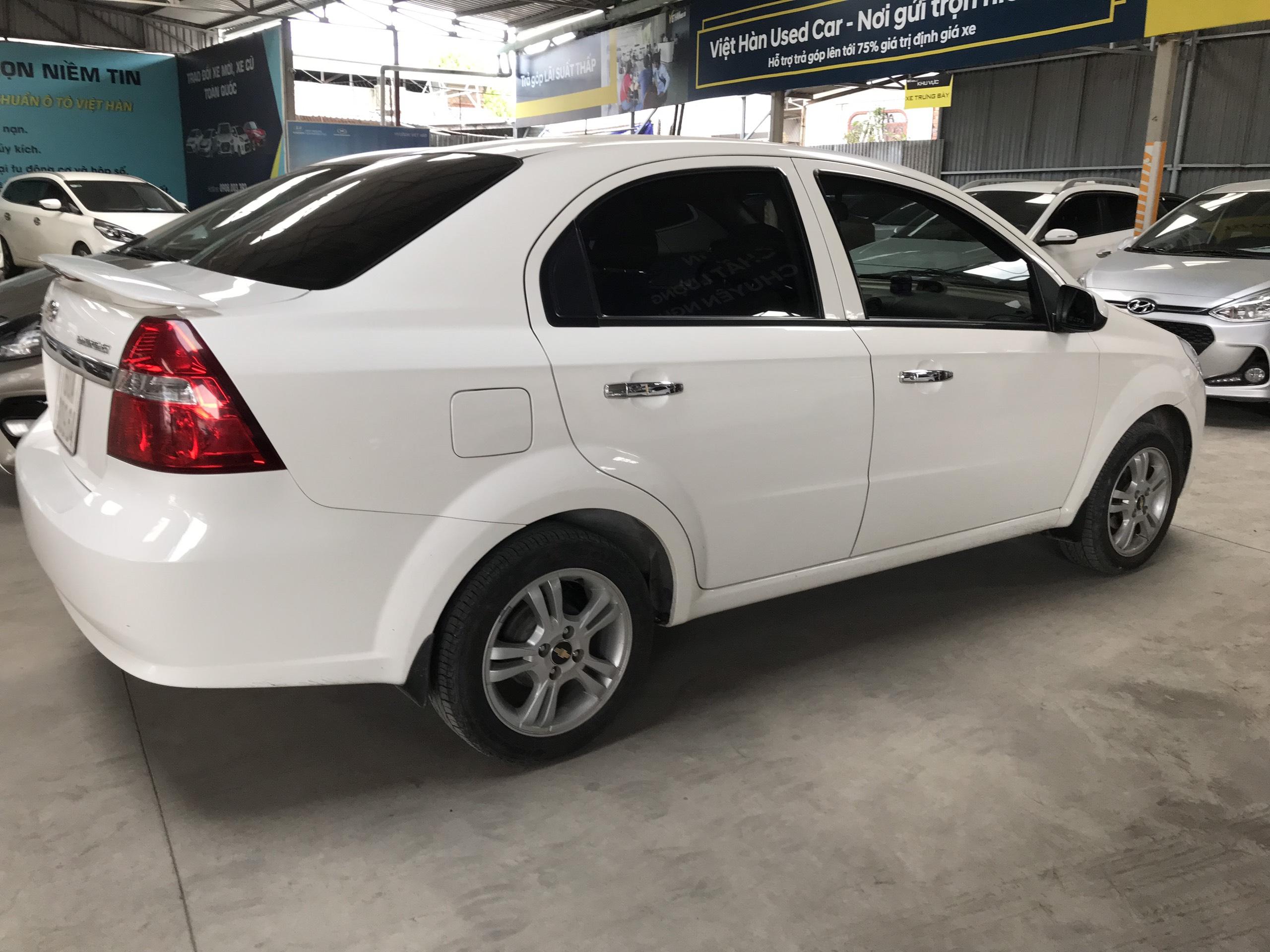 Bán Chevrolet Aveo LTZ 1.5AT màu trắng số tự động sản xuất 2016 biển Đồng Nai 1 chủ đi 32000km
