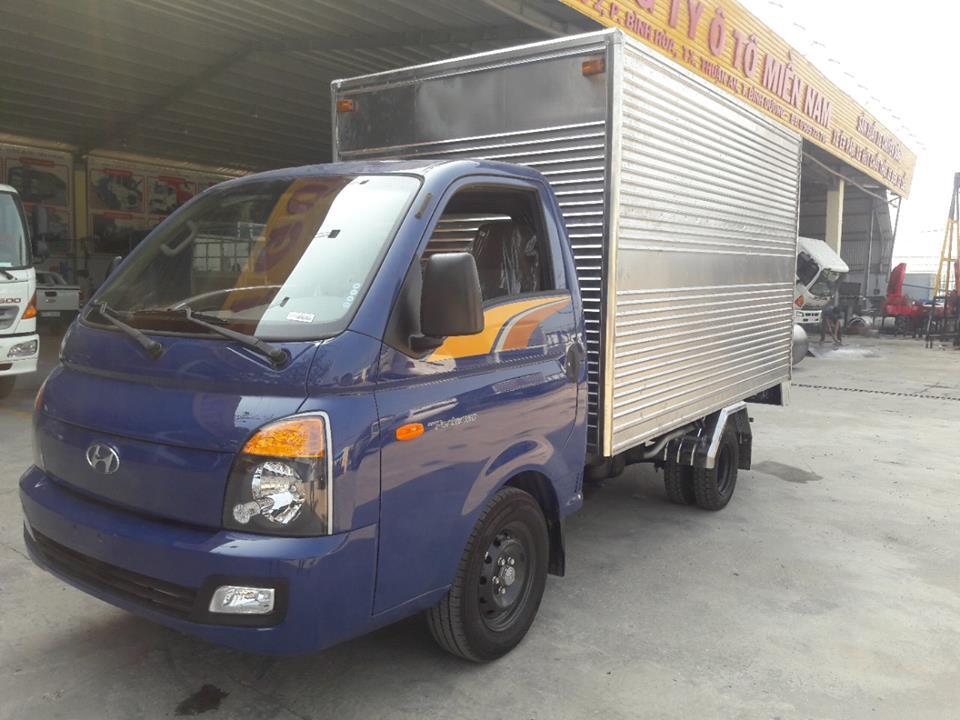 xe tải  thùng kín HYUNDAI tải 1.5 tấn - Trả Góp