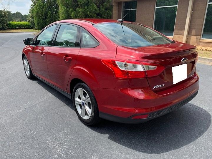 Cần bán xe Ford Focus 2014 màu đỏ số tự động, xe nhà chính chủ sử dụng kĩ