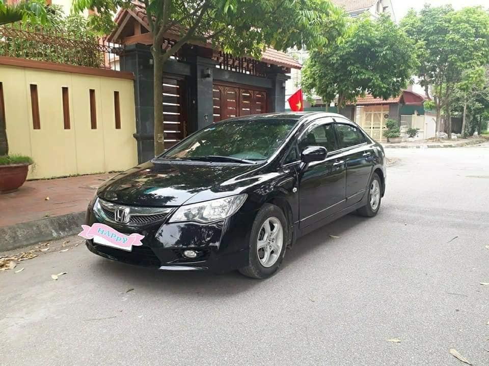 Gia đình cần bán Civic 2010, số tự động, bản 1.8, màu đen cực đẹp.