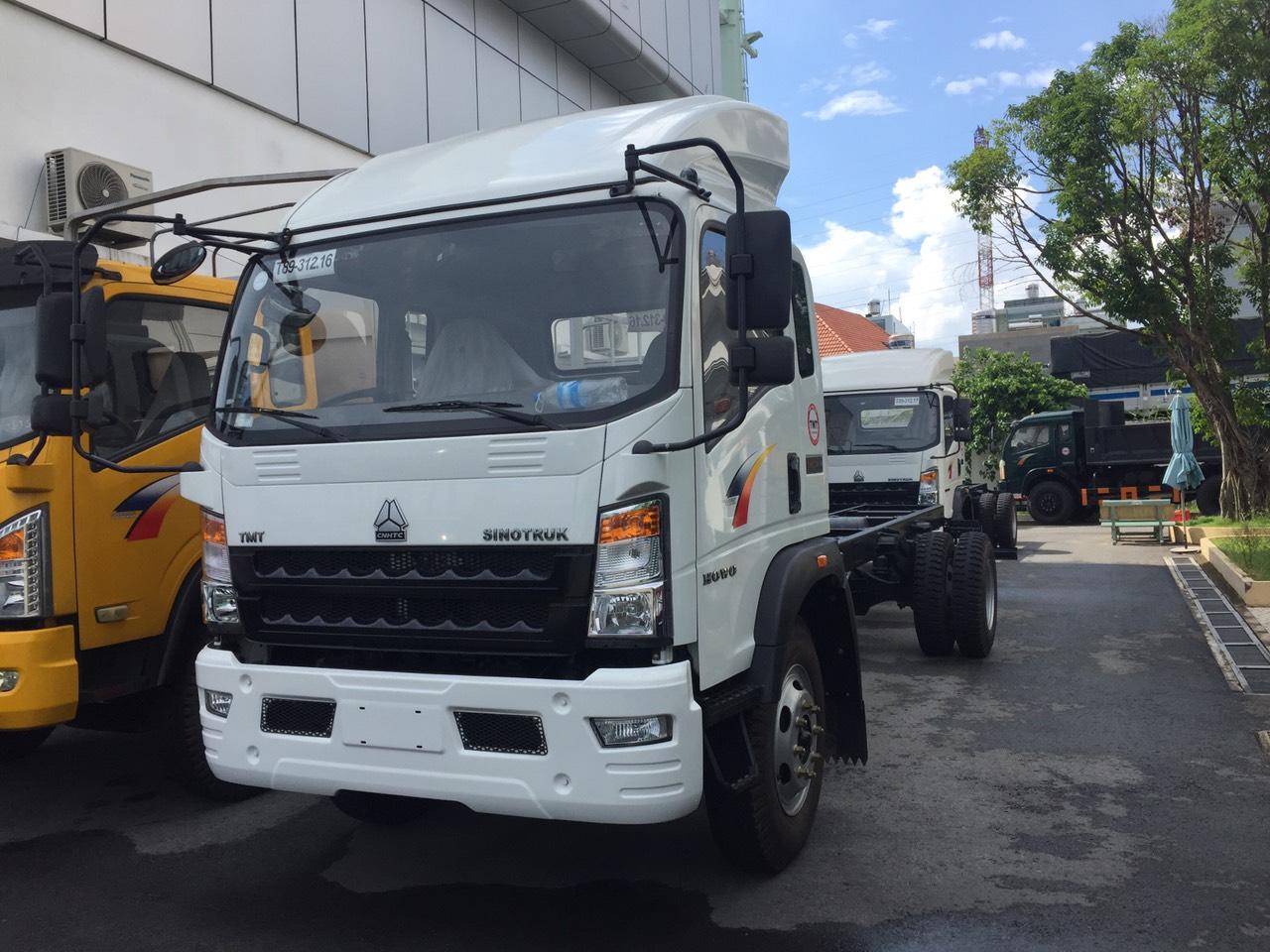 xe tải howo 8t5 thùng dài 6m9 150tr nhận ngay xe
