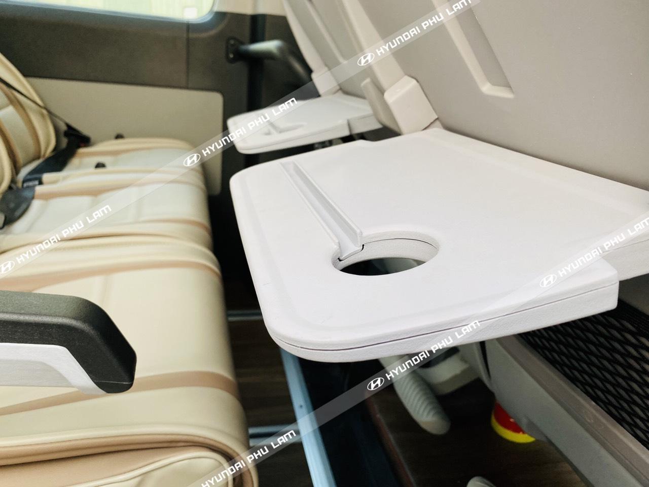 Xe 16 chỗ solati ghế U châu âu 2020 báo giá ưu đãi cho khách hàng!