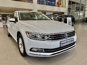 Volkswagen Passat sản xuất năm 2017 Số tự động Động cơ Xăng