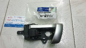 826102B010WK /826202B010WK Tay cửa trong Hyundai Santafe