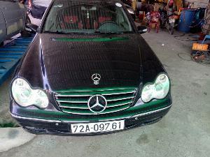 Mercedes-Benz C200 sản xuất năm 2001 Số tự động