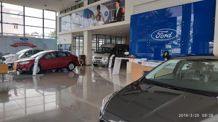 Xe Ford 4 chố
