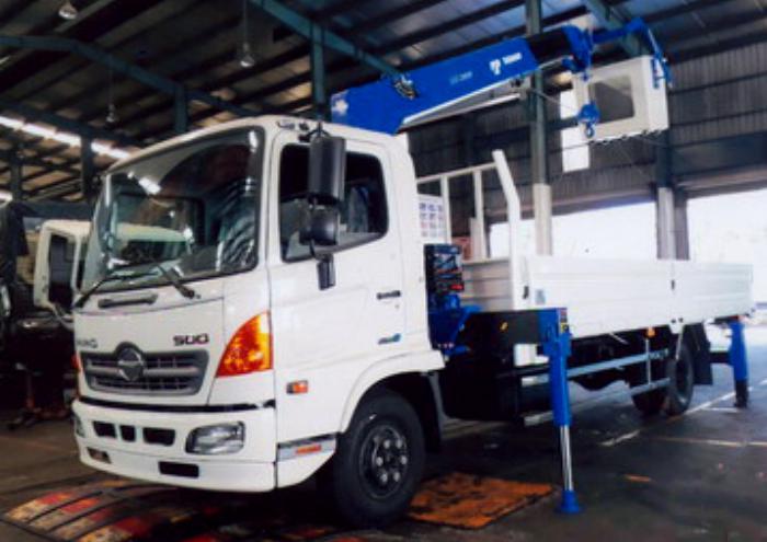 Xe tải 6,4 tấn HINO FC9JJTA EURO4 gắn cẩu 3 tấn 5 đốt TADANO model TM-ZE305 thùng dài 5m | Hỗ trợ vay vốn ngân hàng 90% giá trị xe 3