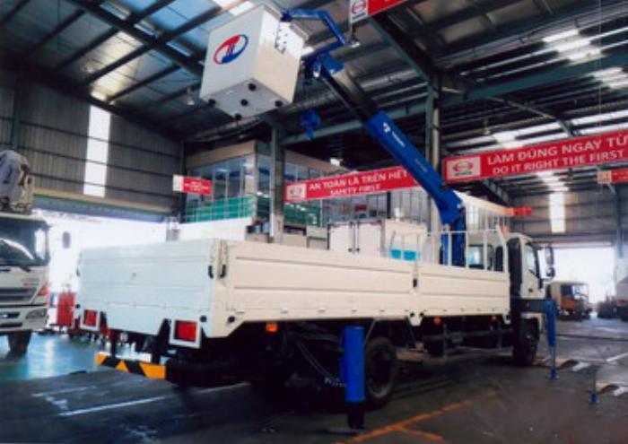 Xe tải 6,4 tấn HINO FC9JJTA EURO4 gắn cẩu 3 tấn 5 đốt TADANO model TM-ZE305 thùng dài 5m | Hỗ trợ vay vốn ngân hàng 90% giá trị xe 4