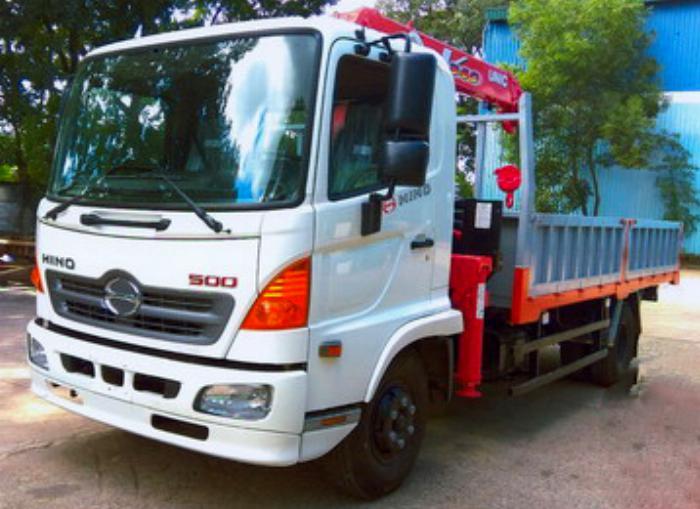 Xe tải 6,4 tấn HINO FC9JJSW gắn cẩu 3 tấn 3 đốt UNIC model URV343 thùng dài 5m   Hỗ trợ khách hàng mua xe trả góp 90% giá trị xe