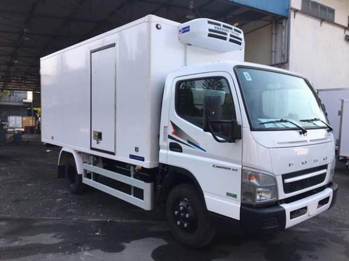 Xe tải thùng ĐÔNG LẠNH FUSO canter 6.5 tải 3 tấn - Trả Góp 0