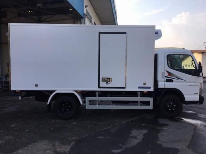 Xe tải thùng ĐÔNG LẠNH FUSO canter 6.5 tải 3 tấn - Trả Góp 3