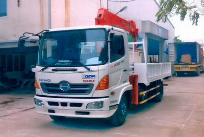 Xe tải 7 tấn HINO FC9JJSW gắn cẩu 3 tấn 5 đốt SANGDO model SC 315ML thùng dài 5m   Hỗ trợ mua trả góp 90% giá trị xe