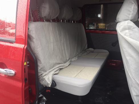 Xe Dongben X30 V5 có 5 chỗ ngồi