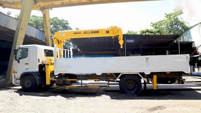 Xe tải Hino 9,4 FG9JP7A ( Euro4) găn cẩu 5 tấn 4 đốt Soosan SCS524 thùng dài 6,5m | Khuyến mãi 2% thuế trước bạ khi mua xe 3
