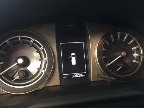 Bán xe Venturer 2018 màu đỏ, chạy 30,000 km vay 70%