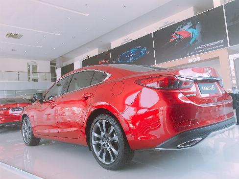 Bán nhanh Mazda 6 2.0L Premium ưu đãi 30tr tiền mặt + Tặng kèm Option