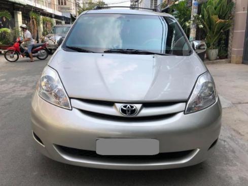 Bán Toyota Sienna LE 2009 nhập mỹ Bạc biển số thành phố