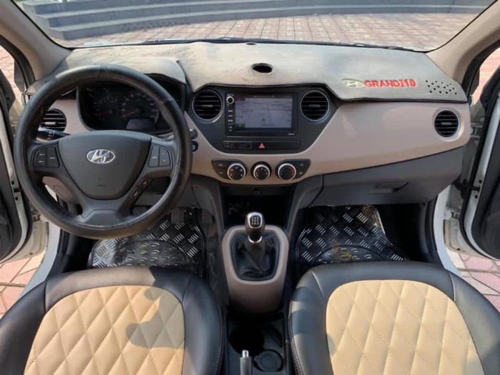 Bán xe Huyndai I10 sedan 1.2, số sàn, sản xuất 2018 màu trắng tinh 0