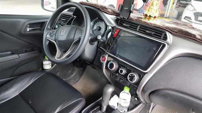 Bán Honda City 1.5AT màu nâu titan số tự động sản xuất 2016 đi 30.000km 0