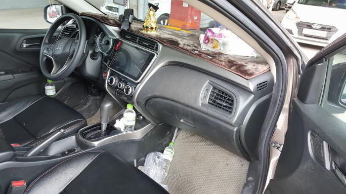 Bán Honda City 1.5AT màu nâu titan số tự động sản xuất 2016 đi 30.000km 2