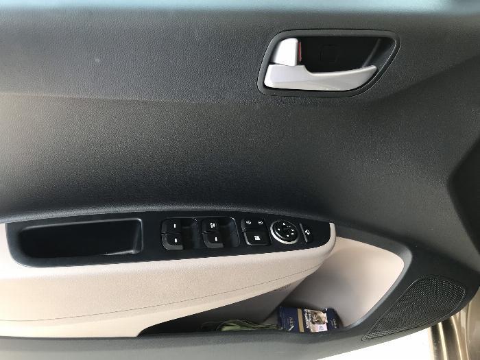 Bán Hyundai Grand i10 sedan 1.2MT màu nâu titan số sàn bản đủ sản xuất 2018 mới 99% 1
