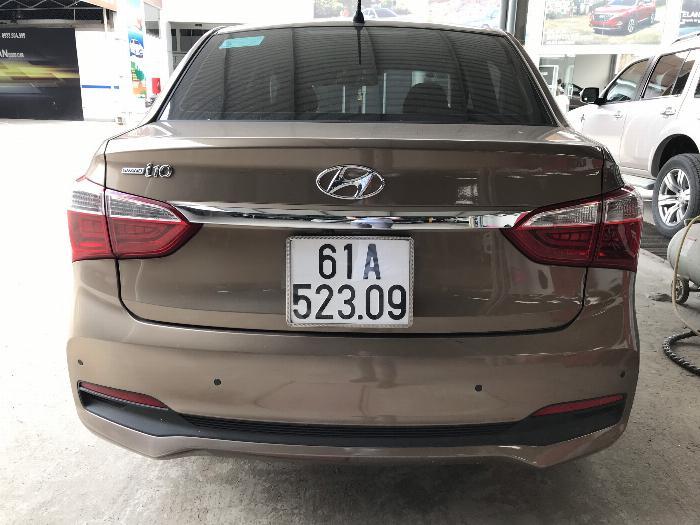 Bán Hyundai Grand i10 sedan 1.2MT màu nâu titan số sàn bản đủ sản xuất 2018 mới 99% 3