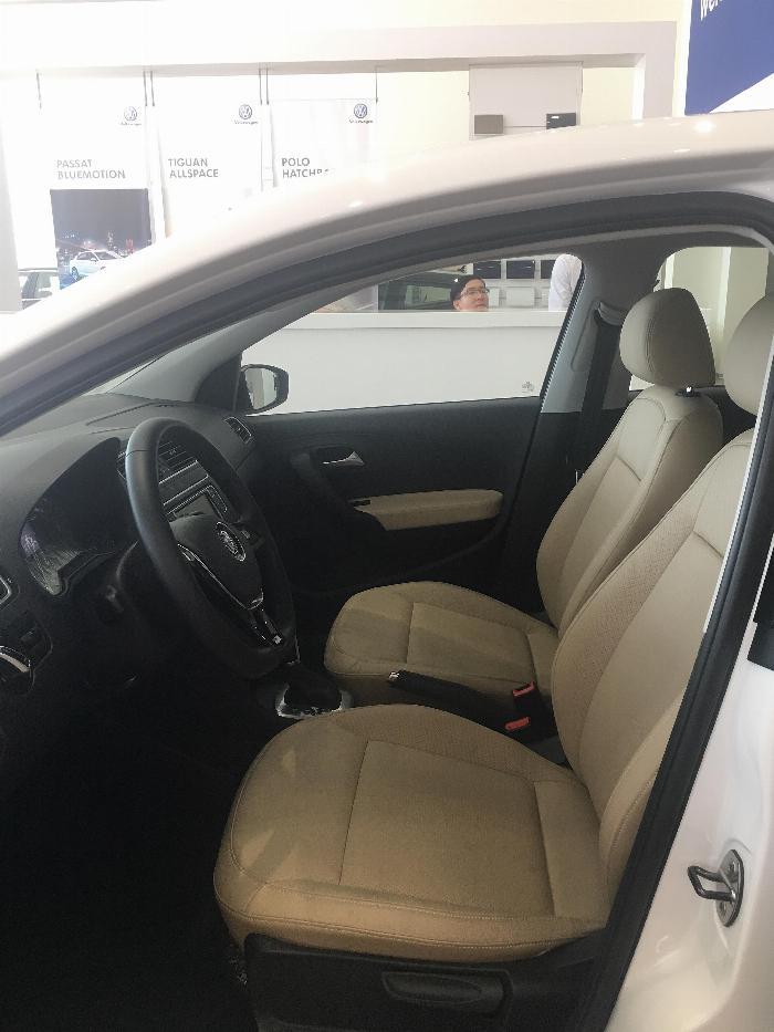 Bán xe Volkswagen Polo Sedan 2019, xe nhập Đức, giá tốt