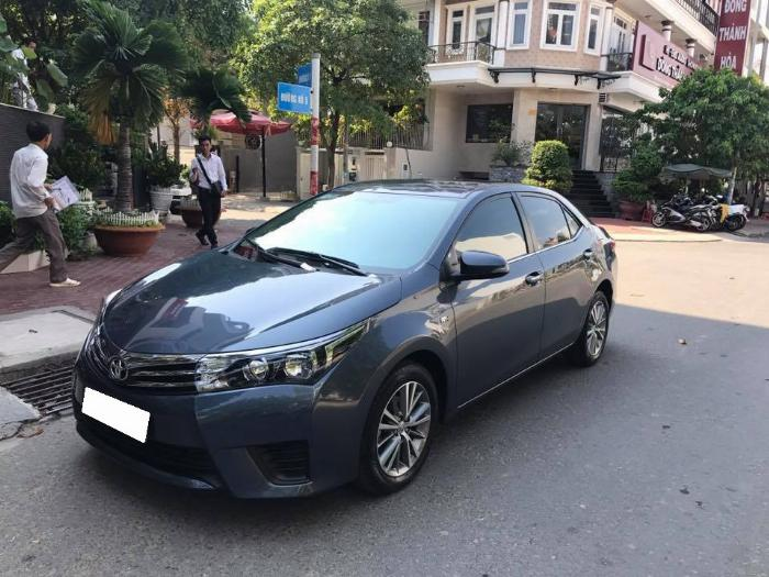 Cần tiền bán xe ô tô Altis 2015, sô sàn, màu xanh, nhà dùng rất kỷ nên còn rất mới
