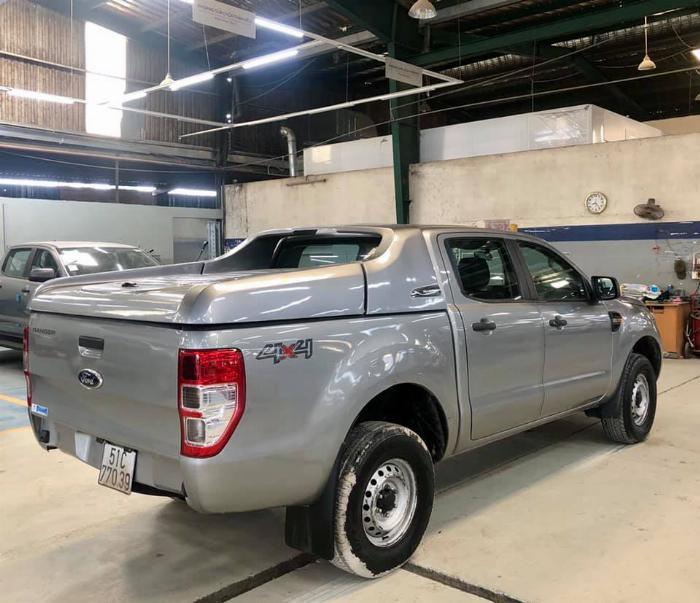 Ranger XL 2015, mẫu 2016, 4x4, màu bạc, nắp thùng thấp, giao dịch hãng