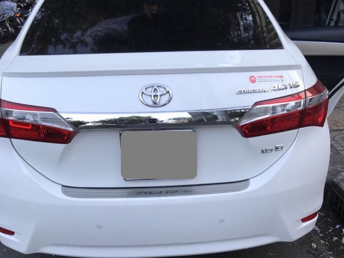 Gia đình cần bán xe Altis 2015, số sàn, màu trắng