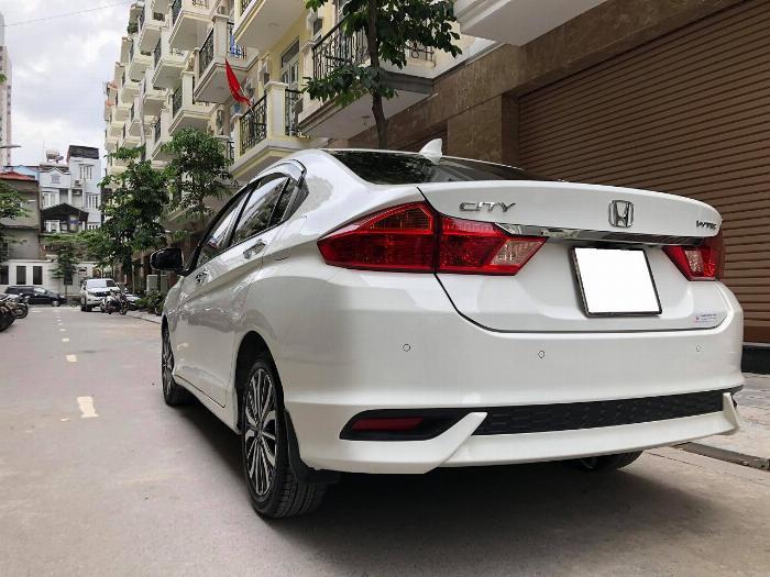 Cần bán xe Honda City 2018, số tự động, bản top, màu trắng