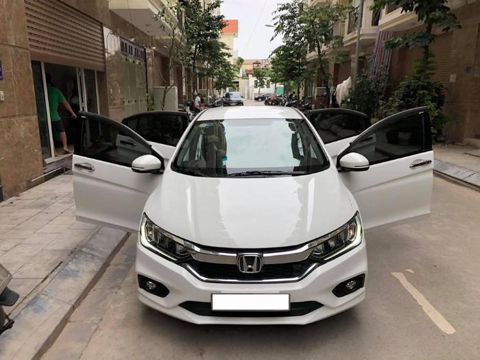 Cần bán xe Honda City 2018, số tự động, bản top, màu trắn