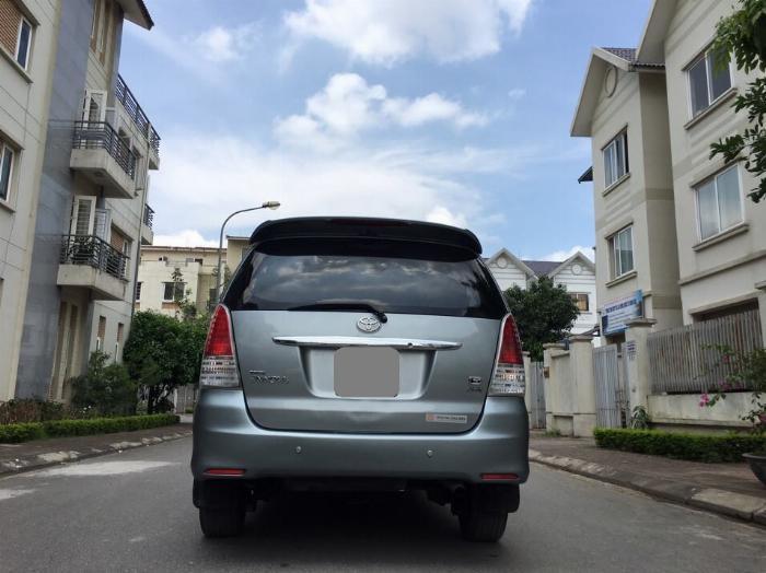 Bán Toyota Innova GSR 2011 xám bạc chính chủ tuyệt vời. 2