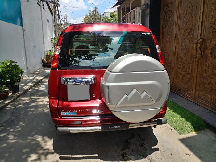 Bán Ford Everest Đỏ 2010 đk 2011 tự động máy dầu rất mới.
