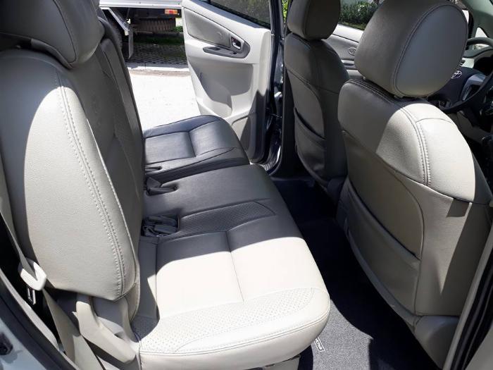 Gia đình cần bán xe Innova 2016, số sàn, màu bạc, gia đình sử dụng 4
