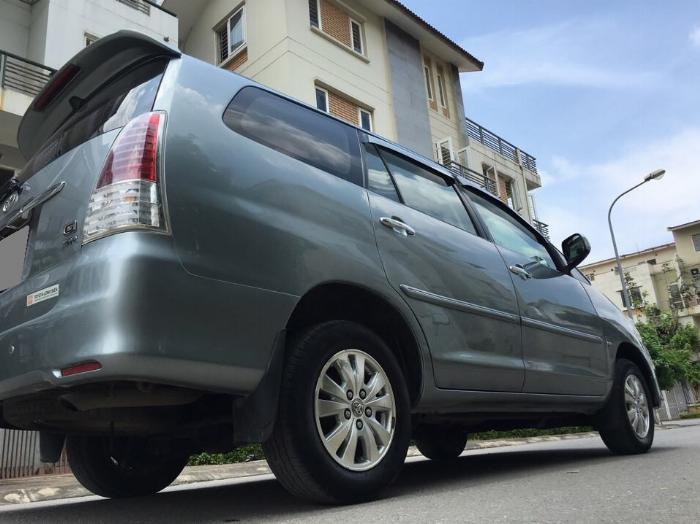 Bán Toyota Innova GSR 2011 xám bạc chính chủ tuyệt vời. 6