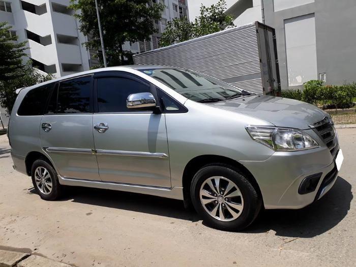 Gia đình cần bán xe Innova 2016, số sàn, màu bạc, gia đình sử dụng 5
