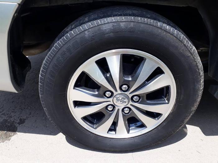 Gia đình cần bán xe Innova 2016, số sàn, màu bạc, gia đình sử dụng 6