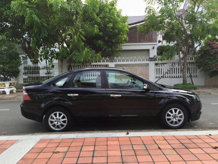 Cần bán xe Ford Focus 2007 số sàn màu đen, gia đình đi gìn giữ 8