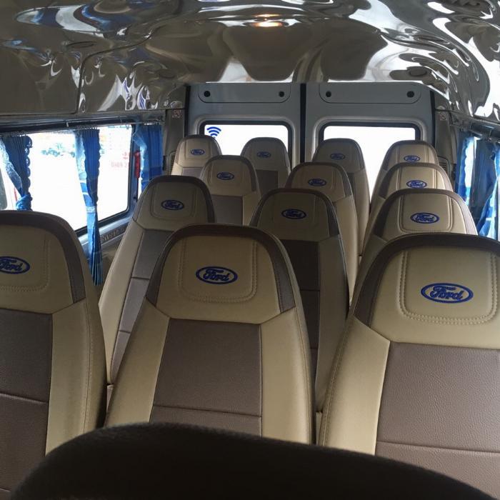 Cần bán xe Ford Transit 2018 máy dầu số sàn, xe màu bạc 16 chỗ 2