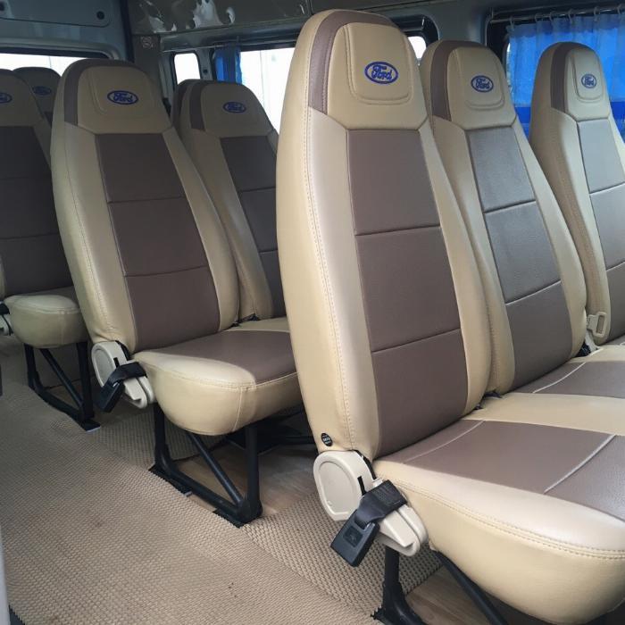 Cần bán xe Ford Transit 2018 máy dầu số sàn, xe màu bạc 16 chỗ 1