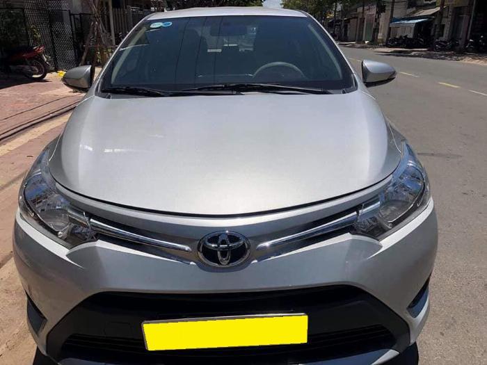 Cần bán xe Toyota Vios 2018 số tự động màu bạc biển thành phố 5