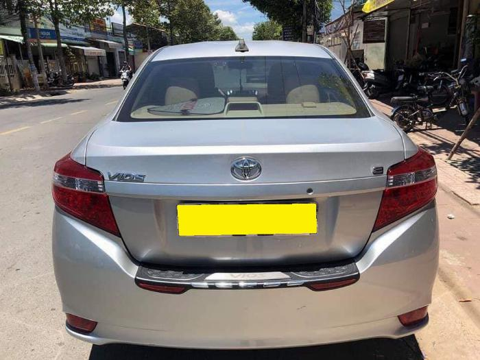 Cần bán xe Toyota Vios 2018 số tự động màu bạc biển thành phố 6
