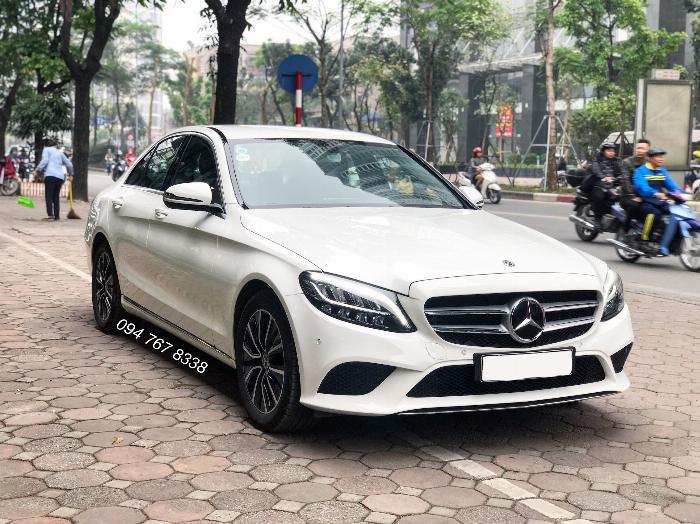 Cần bán gấp Mercedes C200 2019 màu Trắng chính chủ biển đẹp giá cực tốt 2