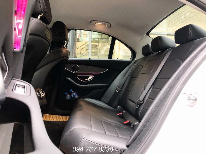Cần bán gấp Mercedes C200 2019 màu Trắng chính chủ biển đẹp giá cực tốt 4