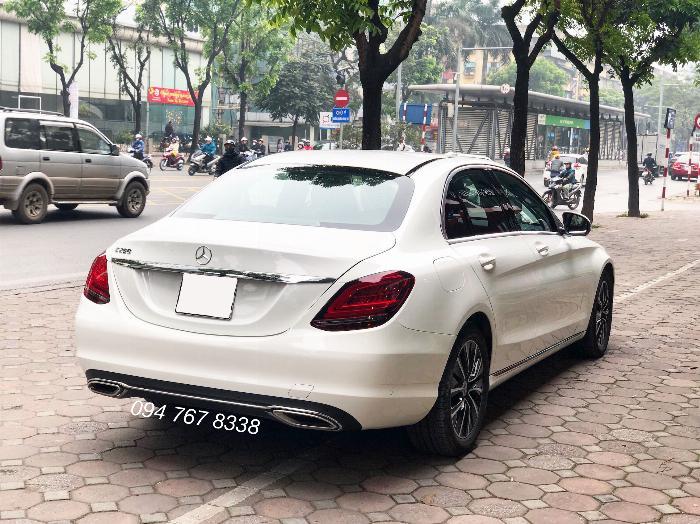Cần bán gấp Mercedes C200 2019 màu Trắng chính chủ biển đẹp giá cực tốt 8