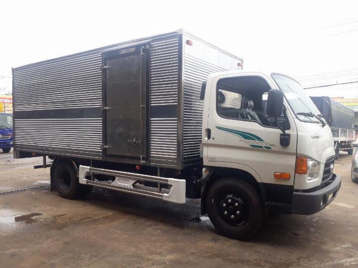 Xe tải HYUNDAI 110s tải trọng 7 tấn thùng kín dài 5m - Trả Góp