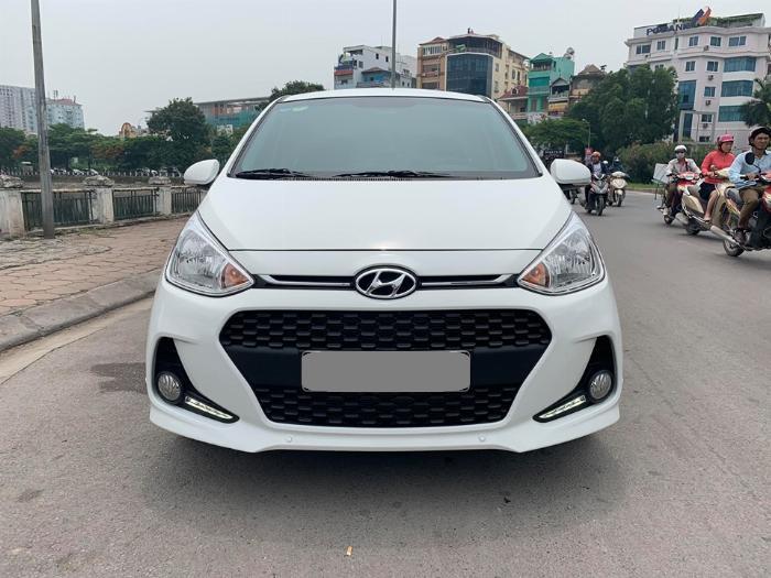 Bán Hyundai I10 số sàn 2019 bảng 1.2 màu trắng full option.