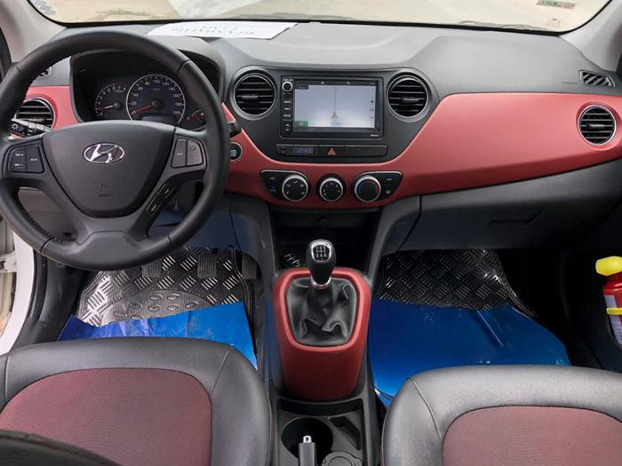 Bán Hyundai I10 số sàn 2019 bảng 1.2 màu trắng full option. 4