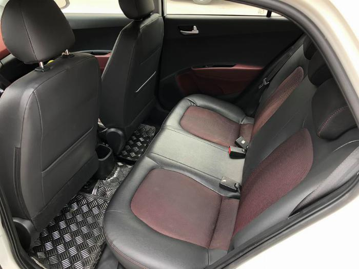 Bán Hyundai I10 số sàn 2019 bảng 1.2 màu trắng full option. 5